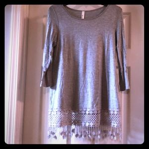 Tops - Grey tunic with trim detail